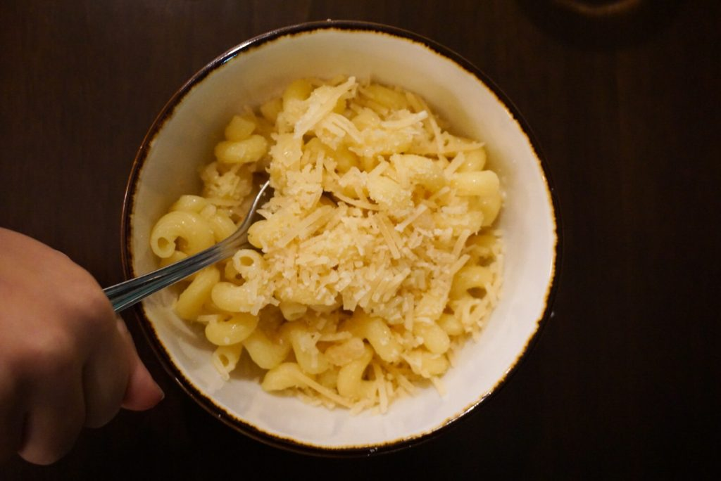 Flower & Wolf Kids Macaroni with butter and parm