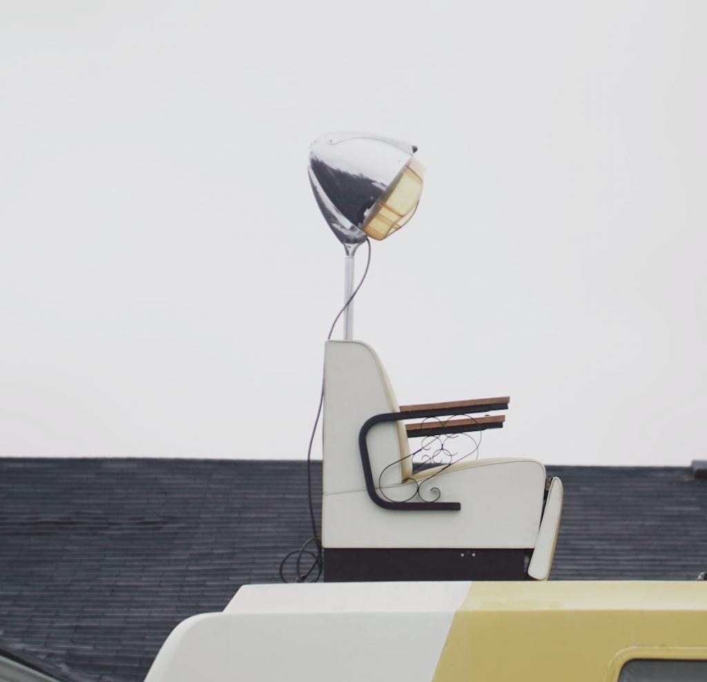Abracadavers salon chair
