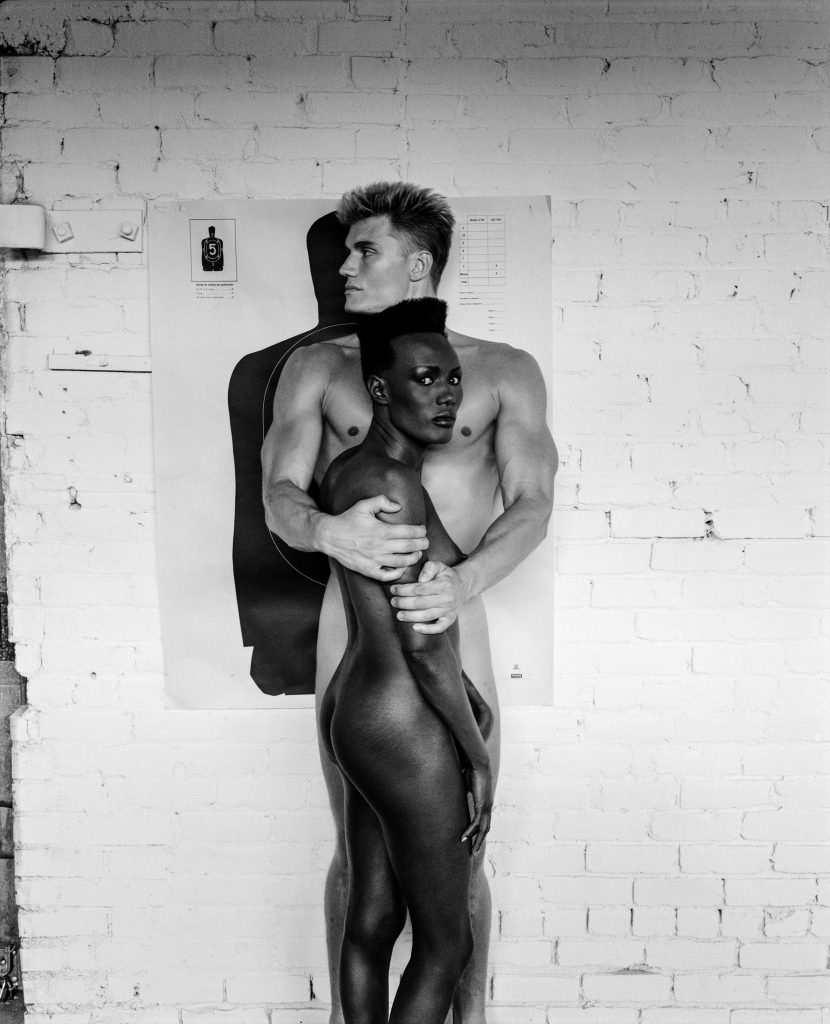 HELMUT-NEWTON_010_-Grace-Jones-and-Dolph-Lundgren,-Los-Angeles,-1985-(c)-Foto-Helmut-Newton,-Helmut-Newton-Estate-Courtesy-Helmut-Newton-Foundation
